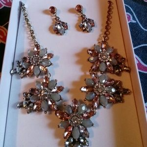 S2/18 Mini Statement Necklace with Earrings
